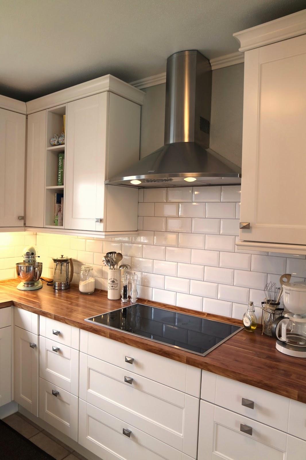 Kleines gelbes Haus: Neuer Anstrich für die Landhausküche