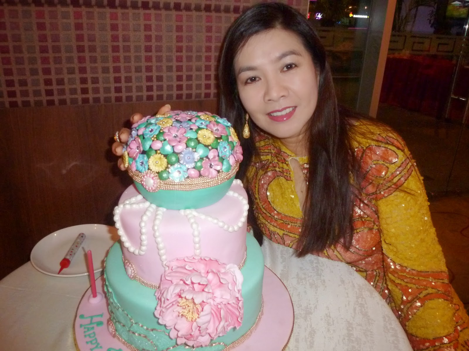 dato flora ong celebrates her birthday.