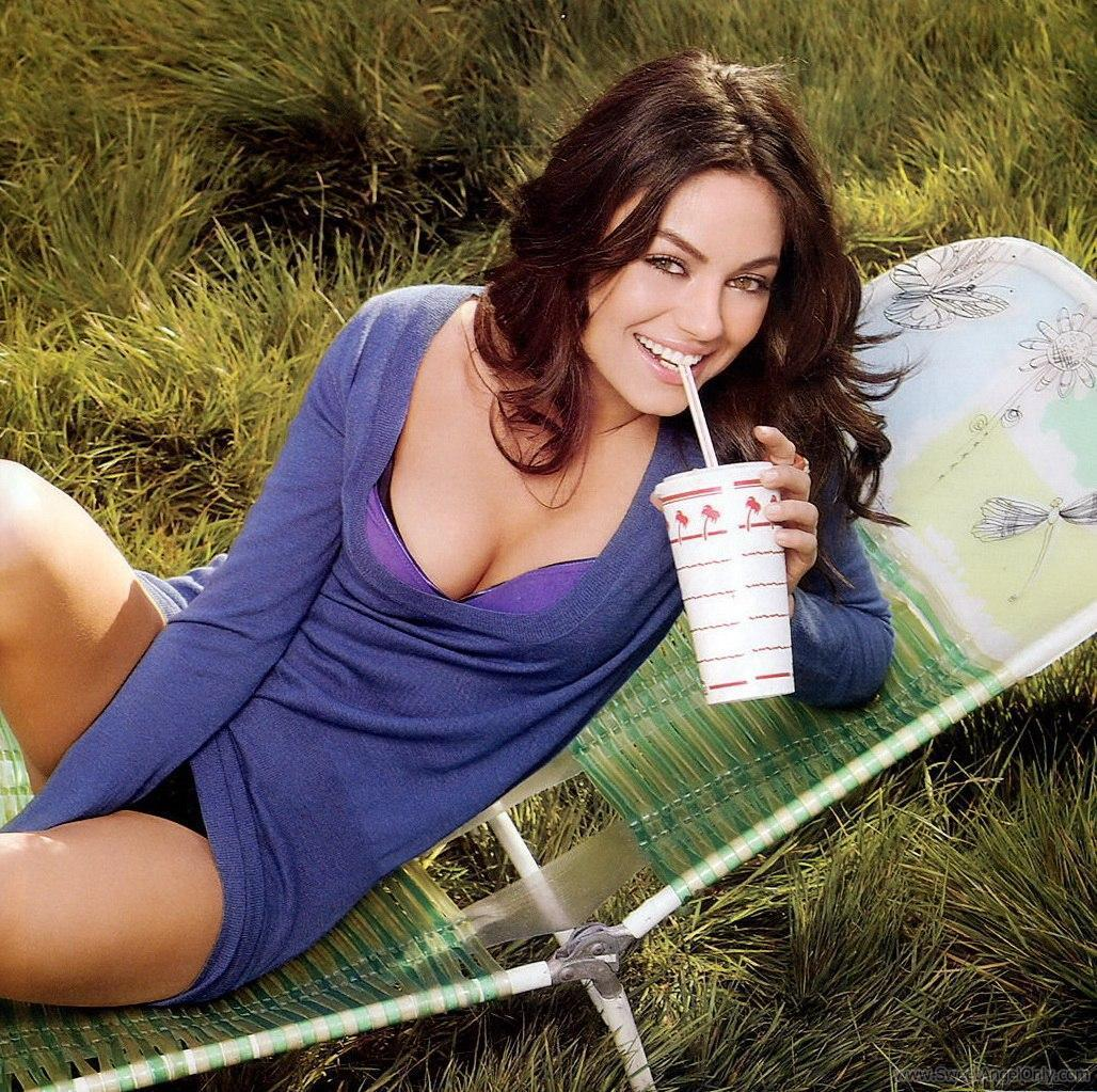 Mila Kunis Hollywood Wallpapers Celebrity Woman Pictures