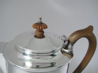 Superb Large Solid Sterling Silver Coffee Pot London 1943 ~ Scrap Wt 640.0g Ttl