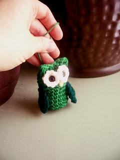 2000 Free Amigurumi Patterns: Owl Ornament