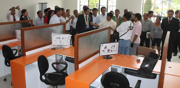 Inauguran oficina de la sunat osinergmin rentas y for Oficina atencion al ciudadano
