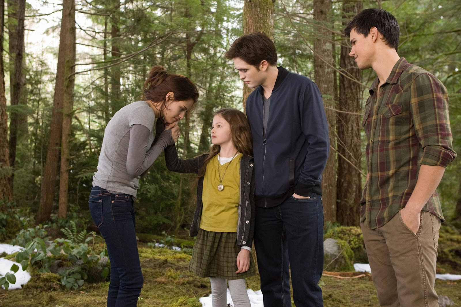 http://2.bp.blogspot.com/-Fw561ZD0oNc/UE-NQUgd2wI/AAAAAAAAdWM/JH-7aRnJ_0k/s1600/Breaking-Dawn-part2-wallpapers-1.jpg