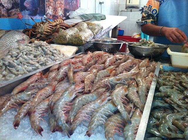 Crustáceos no Mercado de Peixe São Pedro, Niterói.