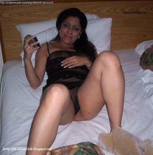 Chubby fat ass milf
