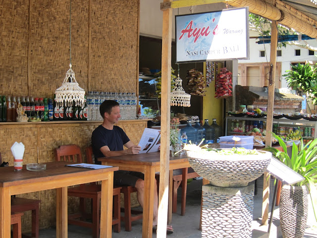 Ubud, authentic Balinese food, cheap, tasty,