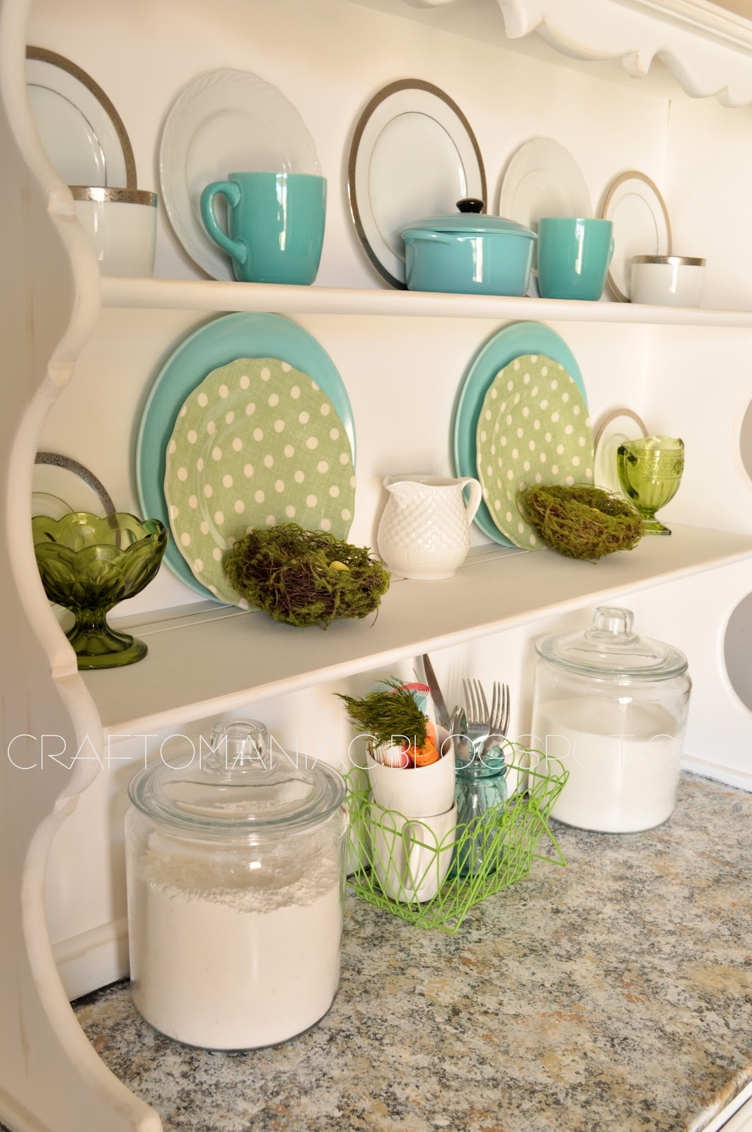 Spring home decor spring hutch craft o maniac for Spring home decor