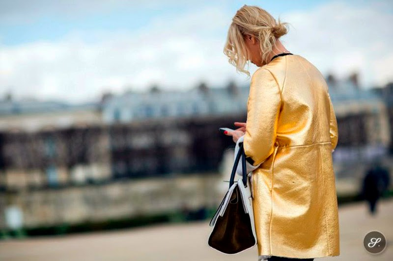 HOW TO WEAR A GOLDEN JACKET