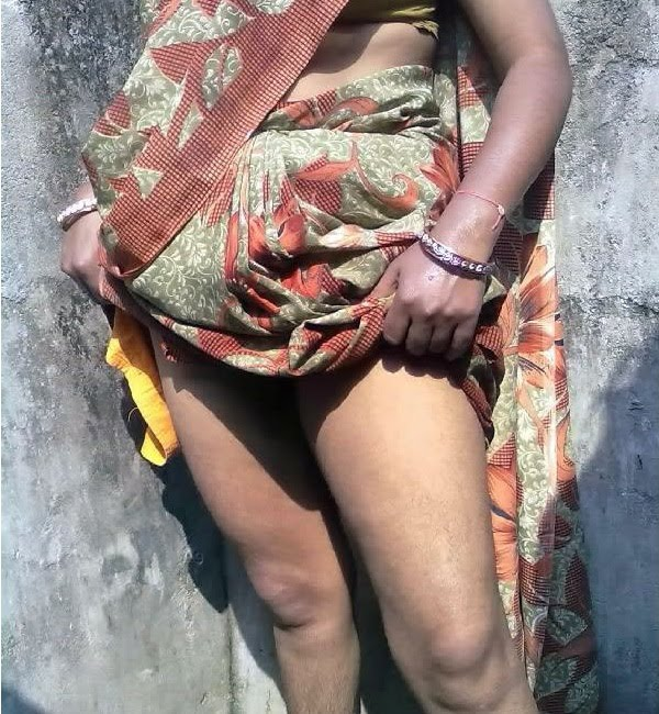 hot indian house wife kamwali bai in sari sexy hot hot indian house