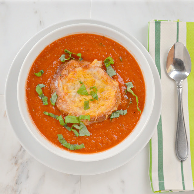 Tomato Basil Soup with Cheesy Bread