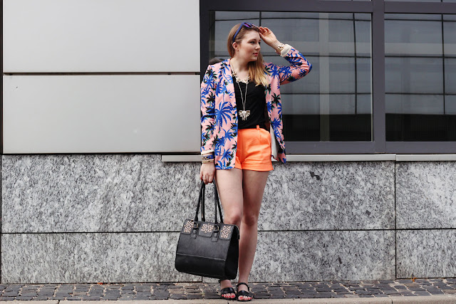 Missguided, blogger, palmprint, neon orange, summer, juju, sandals, sandalen Asos, ELEFANT schmuck, six kette, accessories elephant, berlin, modeblog, electric blue,