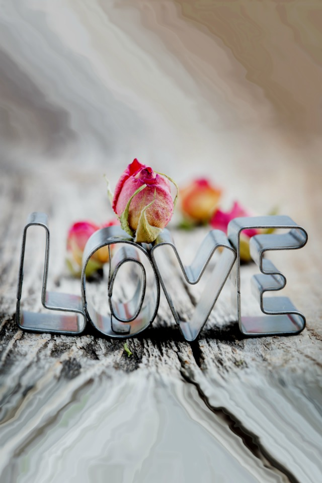 Love HD Wallpaper for iPhone