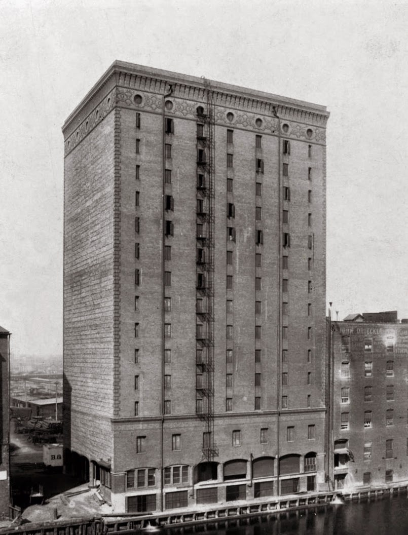 The warehouse as it looked in 1910. Ryerson and Burnhma Archives & Fulton House over the Years | Connecting the Windy City