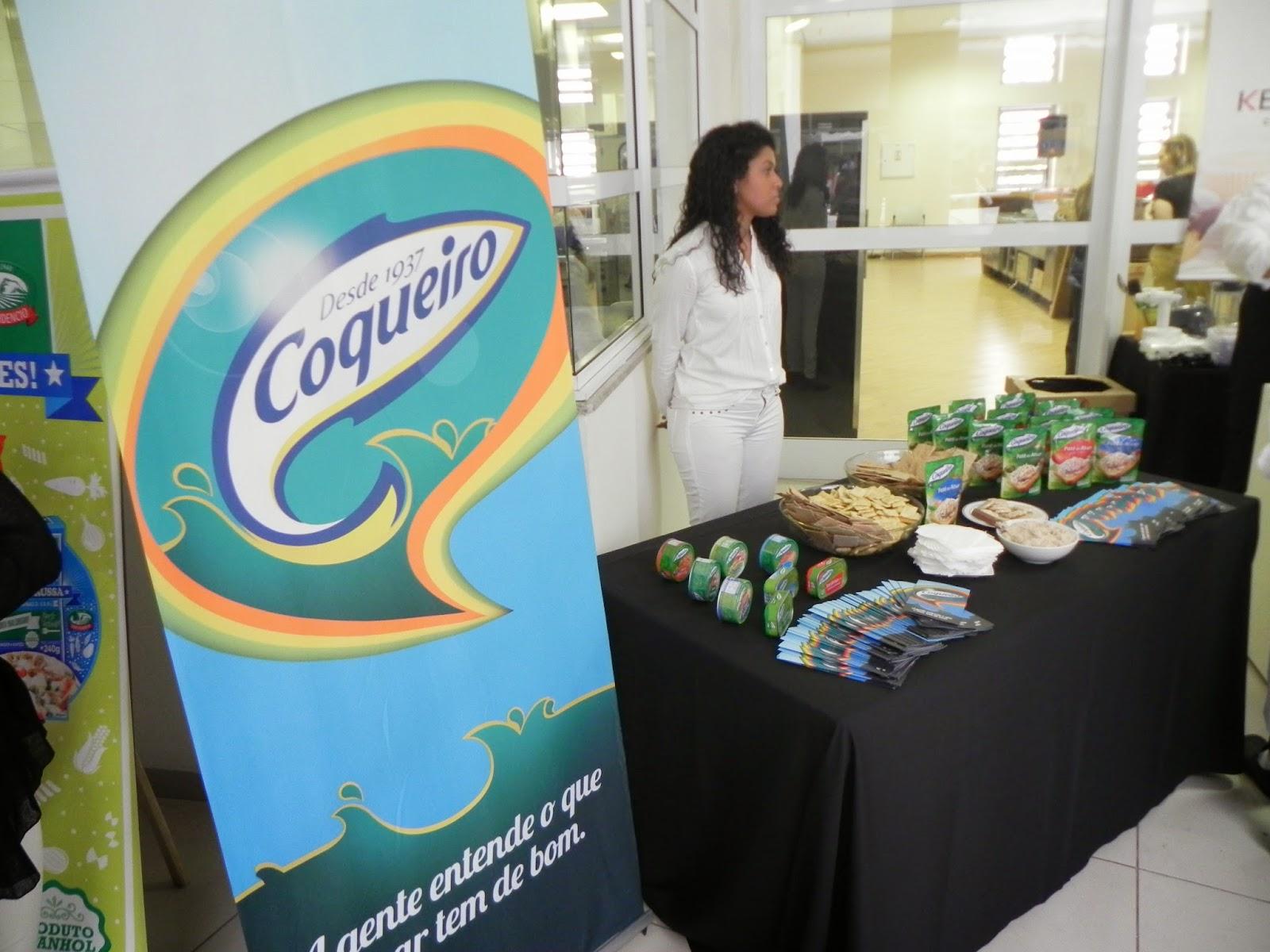 coqueiro no encontro gourmet apresentando produtos patês atum sardinha