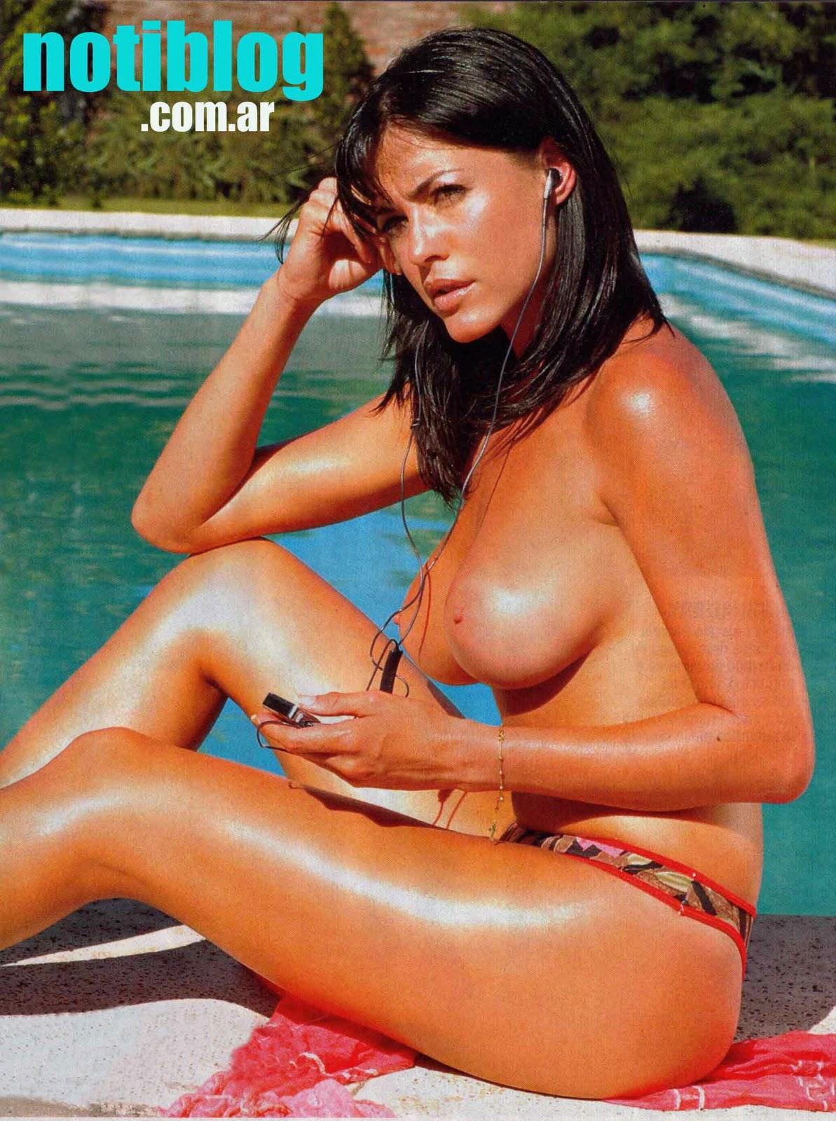 fotos de pamela david desnuda en playboy: