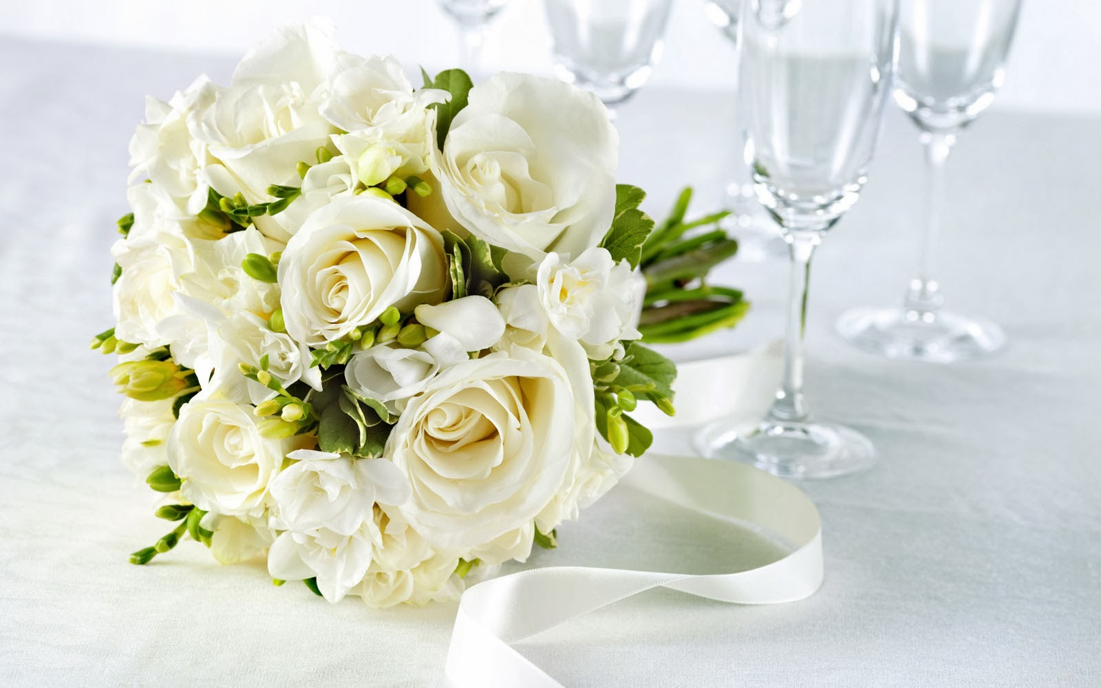 Cute baby hd wallpaper white rose bouquet wallpapers white rose bouquet wallpapers izmirmasajfo