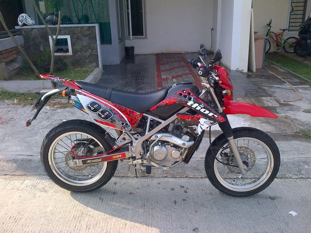 Modifikasi Kawasaki Klx 150 Supermoto Gambar Modifikasi Motor