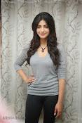 Shruti Haasan Gorgeous Photos at Yevadu Success Meet-thumbnail-18