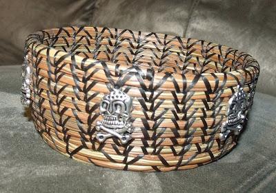 http://2.bp.blogspot.com/-FyWM8Zh9cT8/US6avpse8EI/AAAAAAAACLs/6I9lGh_-aVo/s1600/skull+basket+3.jpg