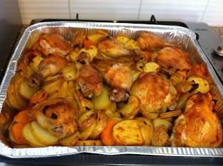 עוף עם תפוחי אדמה ובטטה בתנור