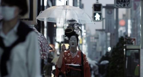 """テレビは、いつも善良でなければいけない、テレビのCMも通常は善良でなければいけない。しかしヤマハのEUのCM """"The Dark Side of Japan""""は珍しく""""日本のダークサイド""""を表現"""