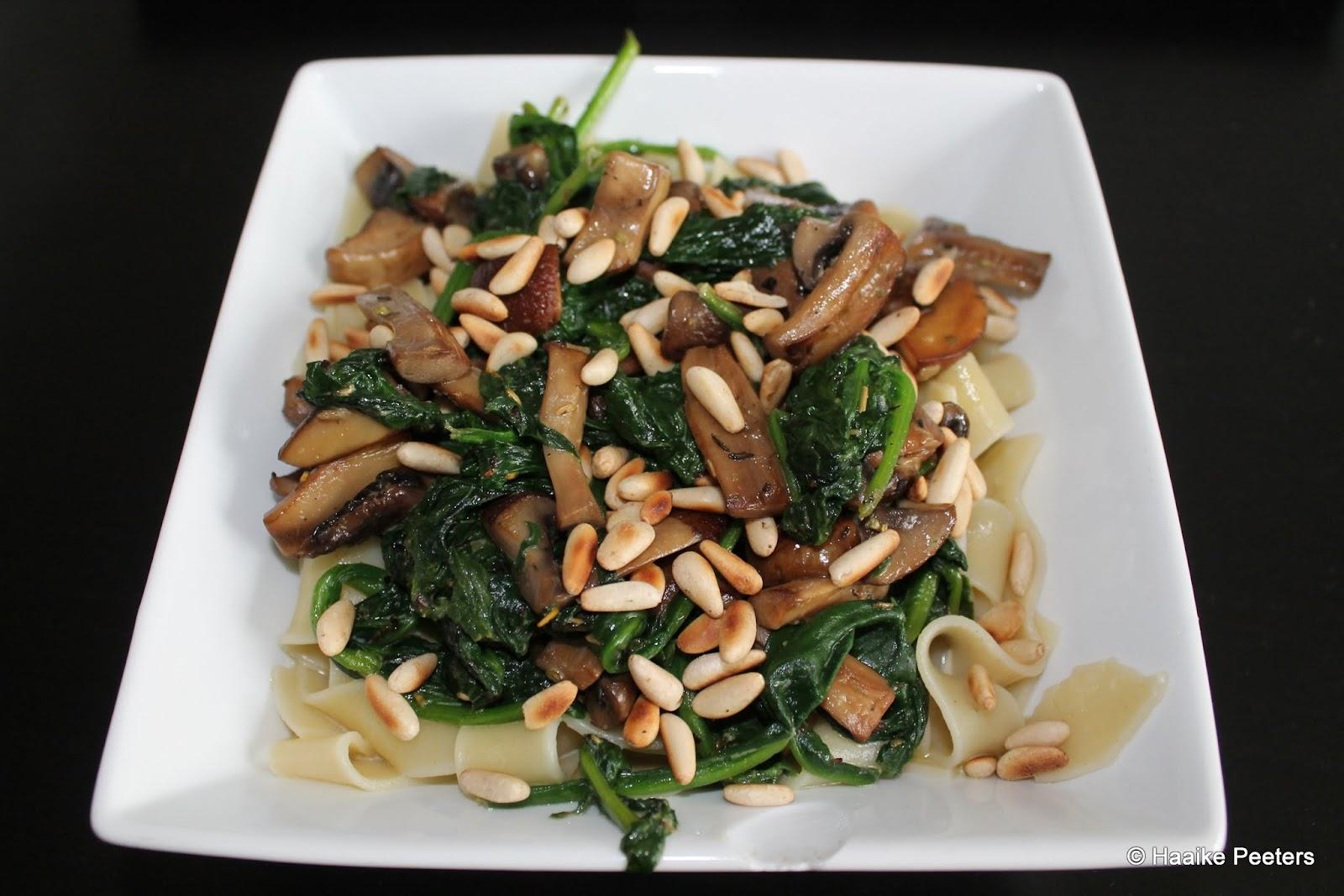 Tagliatelle met spinazie en champignons (eva)