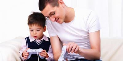 Bermain Video Game Mampu Perbaiki Penglihatan?, http://dammar-asihan.blogspot.com/, D-A. Blog, memainkan video game dapat perbaiki mata, ayah bermain video games dengan anak.