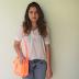 Meu look com  bolsa laranja fluorescente