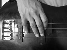 pluck bass guitar finger