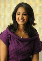 Anushka, actress photos, Bollywood Actrees Wallpaper, cleavage, hot photos gallery, Hot Saree Stills,