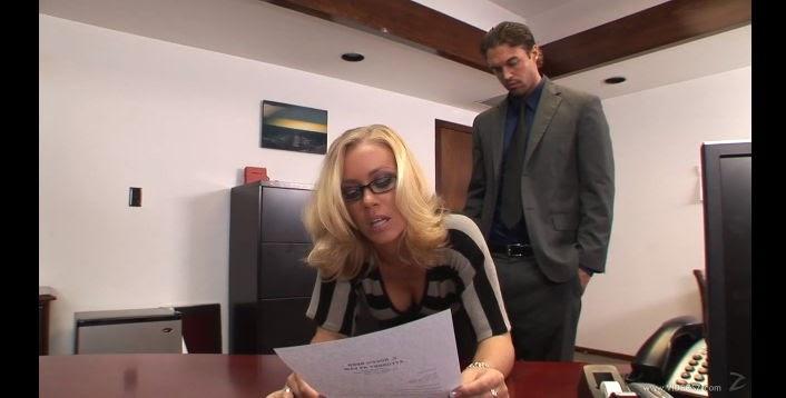 Sekreter Porno  Porno izle