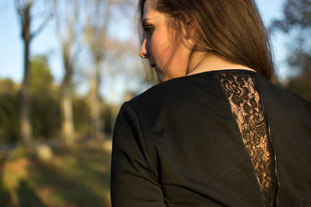 fall chic outfit with lace details