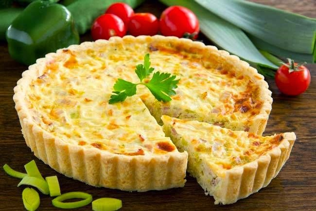 Kavurmalı ve peynirli kiş tarifi
