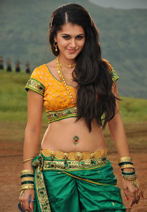tapasee pannu in movie hot images