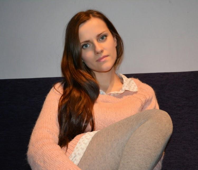 rozowy welniany sweter