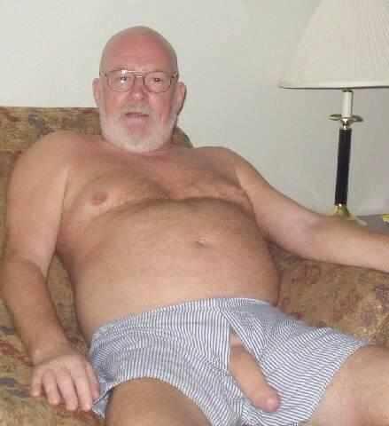 Desnudo maduro en fajas