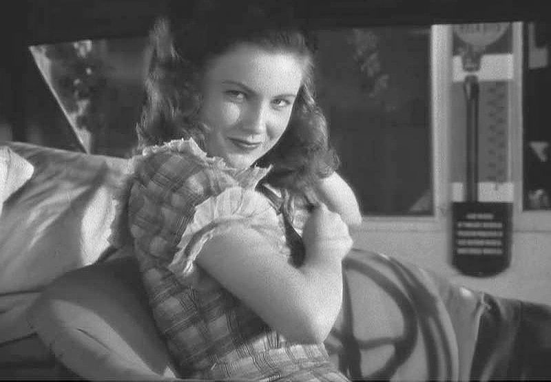 joan leslie measurements