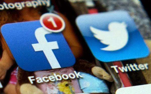 Proyecto para prohibir Facebook y Twitter