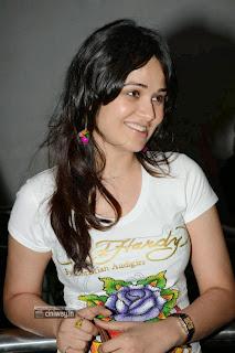 Nisha-Kotari-at-Satya-2-Premiere-Show