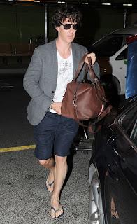 Ator britânico Benedict Cumberbatch usando Havaianas em Ibiza