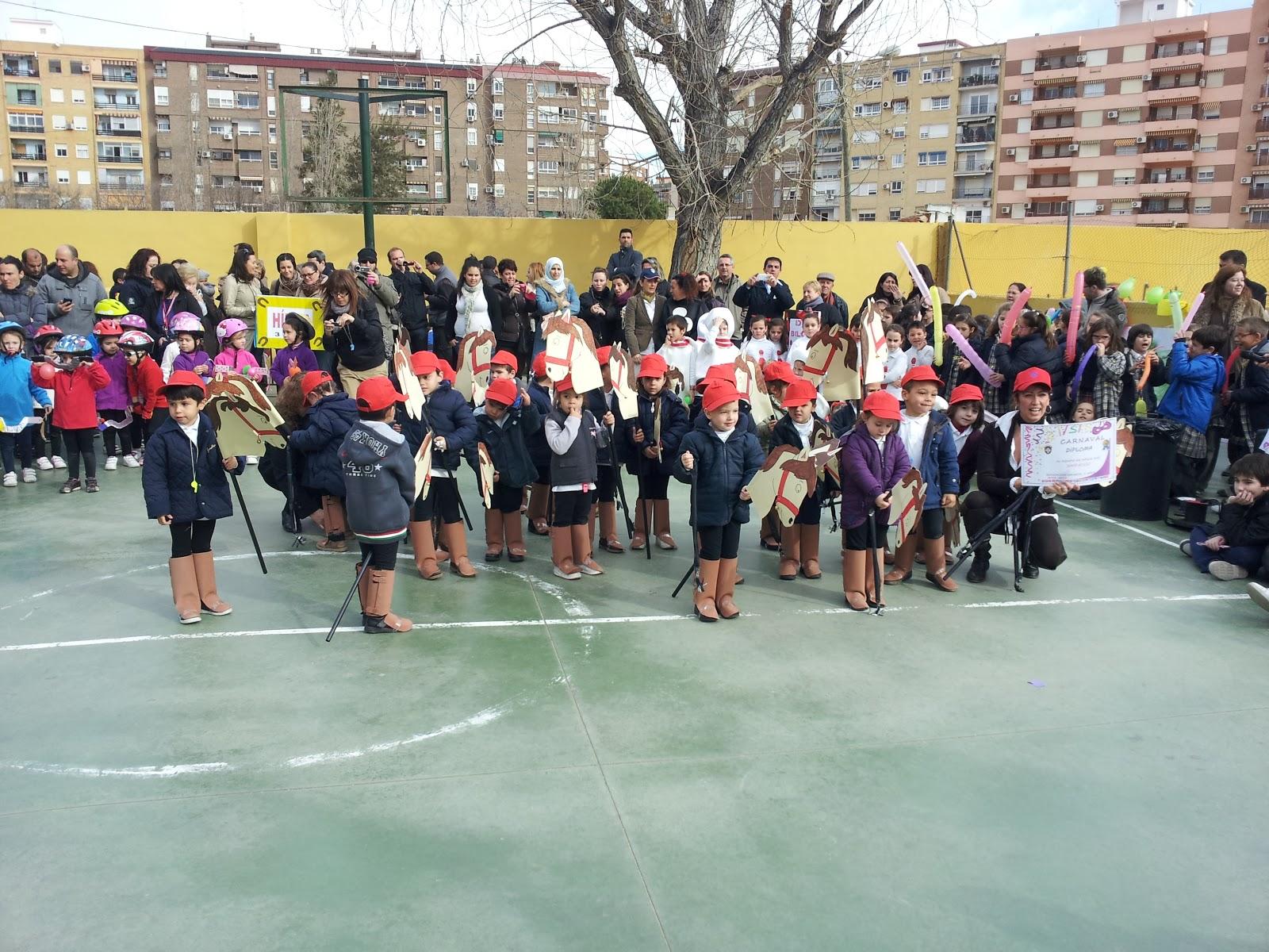 Apa colegio academia jardin carnaval 2013 sesi n de ma ana for Colegio jardin de africa
