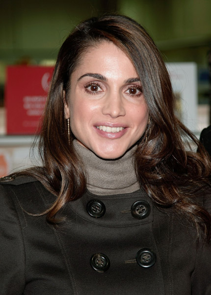 Celebrating the Life and Style of Queen Rania - Savoir Flair