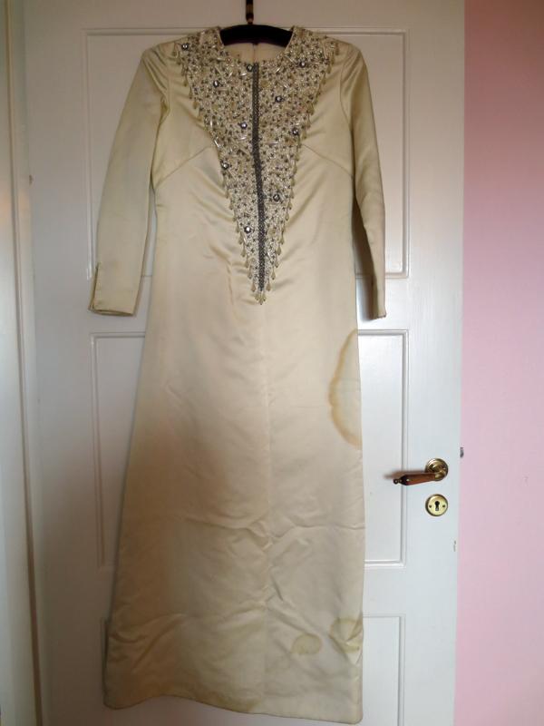 Vintage brudklänning 1960-tal broderier duchesse