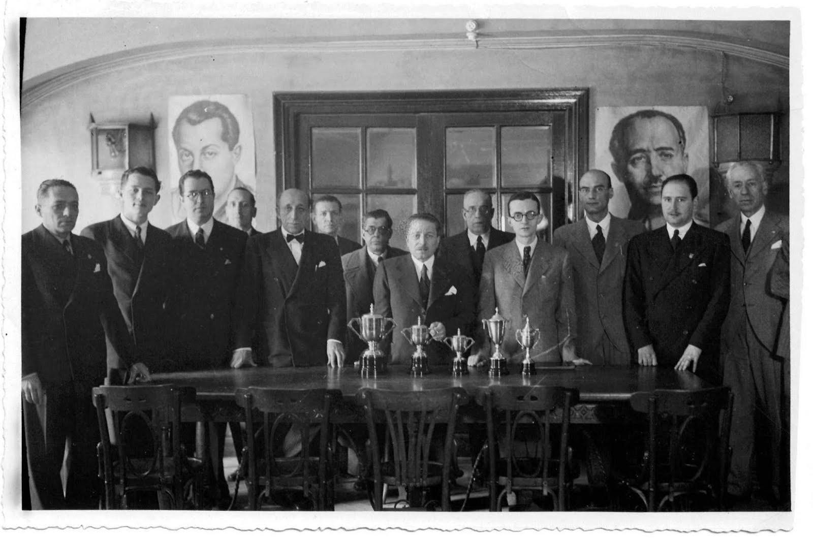 Club de ajedrez la merced la asociaci n onubense de - Tableros sanz madrid ...