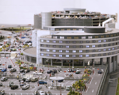 [Internacional]  (Imagens) Aeroporto de Hamburgo em miniatura  Knuffingen-airport_01+%25285%2529