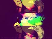 La alegría me la compro, me la peto & me la fumo
