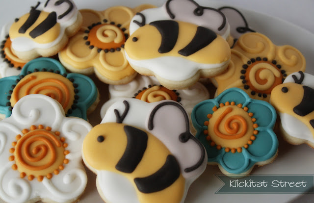 bee sugar cookies using flower cookie cutters