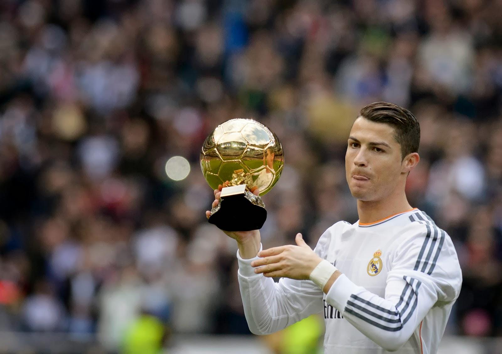 Cristiano Ronaldo, Ballon d'Or, Golden Ball, Trophy, Footballer, Football, Sports, Real Madrid, FC Granada, Santiago Bernabeu, Madrid, Stadium, FIFA Ballon d'Or, FIFA,