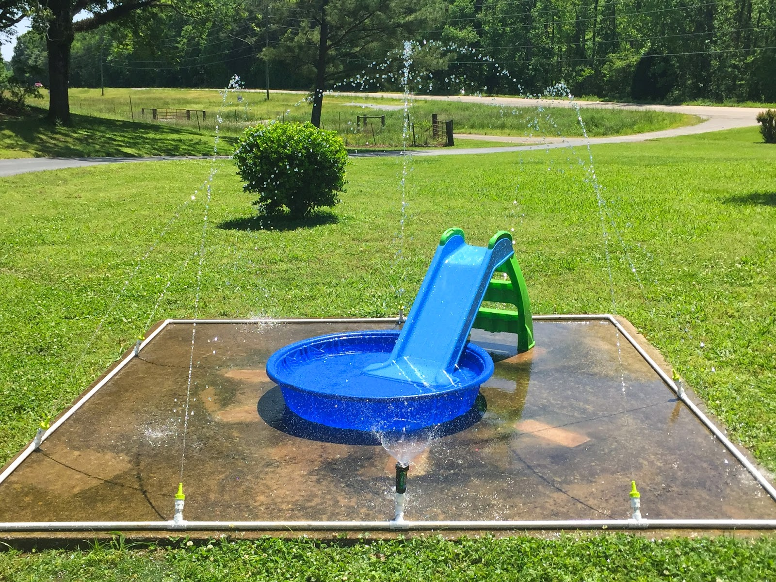 little white house blog our diy splash pad