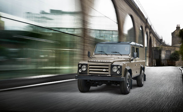 Фото Land Rover Defender XTech Special Edition 2012 года выпуска